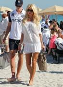 Виктория Сильвстед, фото 1511. Victoria Silvstedt - in sexy bikini on the beach in Miami 30/12/11, foto 1511