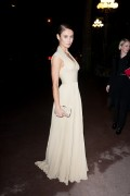 Ольга Куриленко, фото 920. Olga Kurylenko Sidaction Gala Dinner 26-01-2012 in Paris, France., foto 920