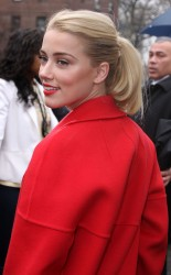 Эмбер Хёрд, фото 2659. Amber Heard arriving at The Michael Kors runway Show February 15 2012, foto 2659