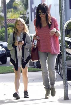 Сельма Блэйр, фото 815. Selma Blair Arrive Back at Her House West Hollywood 2/17/12, foto 815