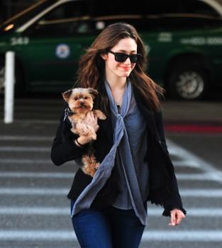 Эмми Россам, фото 3330. Emmy Rossum Looks Great with Her Dog LAX 2/17/12, foto 3330