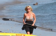 Рэйчел Хантер, фото 429. Rachel Hunter at a Malibu beach - 04/03/12, foto 429
