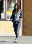 Рейчел Билсон, фото 8406. Rachel Bilson - drops by a liquor store in Los Feliz, March 7, foto 8406