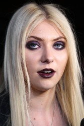 d04d3e179709946 Taylor Momsen   Launch Party for Abbey Dawn By Avril Lavigne (March 13) x39