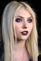 ee94dd179709969 Taylor Momsen   Launch Party for Abbey Dawn By Avril Lavigne (March 13) x39