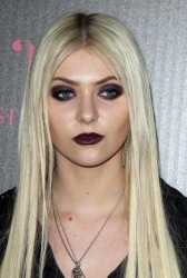 eed85d179710332 Taylor Momsen   Launch Party for Abbey Dawn By Avril Lavigne (March 13) x39