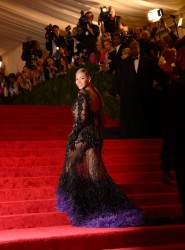  Beyonce @ Metropolitan Museum of Art's Costume Institute Gala (5/7/12)