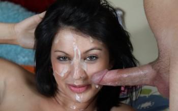 الزب وقذفه وجهها