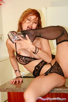 Francine Dee